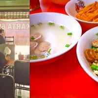 Photo taken at Mie Jakarta 69 Peterongan by Baby S. on 11/15/2014