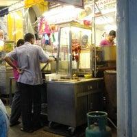 Photo taken at Restoran Sup Hameed by ZARIQ on 11/19/2014
