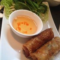 Foto tomada en Viet Nam Restaurante por Miguel Angel B. el 3/14/2014