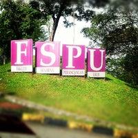 Photo taken at Fakulti Senibina, Perancangan dan Ukur by Benn Azis A. on 10/30/2012