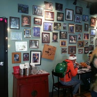 Photo taken at Flying Saucer Pizza Company by Isabelle D. on 10/27/2013
