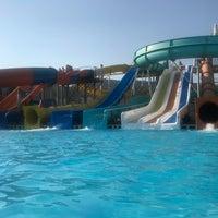 รูปภาพถ่ายที่ Ulu Resort Aquapark โดย Hilal K. เมื่อ 8/19/2018