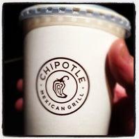 Das Foto wurde bei Chipotle Mexican Grill von Warren P. am 11/15/2012 aufgenommen