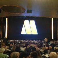 Foto diambil di Lunt-Fontanne Theatre oleh Michael W. pada 7/26/2013
