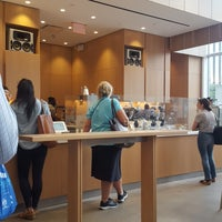 Foto tirada no(a) Blue Bottle Coffee por Grace S. em 7/30/2018