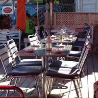 7/30/2013 tarihinde Betsy G.ziyaretçi tarafından Patio American Grill'de çekilen fotoğraf