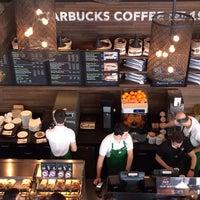 3/6/2014 tarihinde Cemiraziyaretçi tarafından Starbucks'de çekilen fotoğraf