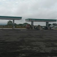 Photo taken at Gasolinera 11935 by Esther V. on 7/17/2014