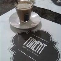 Foto tomada en Foment Café & Bar - Gin Club por Peque N. el 12/21/2013