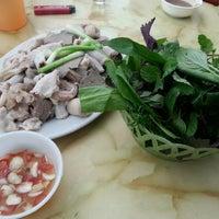 Photo taken at Lòng trần số 4 Cốm Vòng by Kickn R. on 12/2/2013