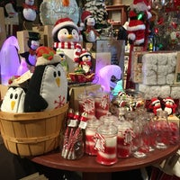 Photo taken at Cracker Barrel Old Country Store by Mark M. on 9/2/2017