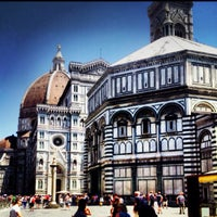 Photo taken at Cattedrale di Santa Maria del Fiore by Vikas P. on 6/24/2013