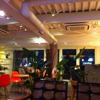 Photo taken at 夙川BASE CAFE by AYAKO M. on 7/1/2013