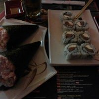Photo taken at Sociedade do Sushi by Vitor B. on 9/19/2014