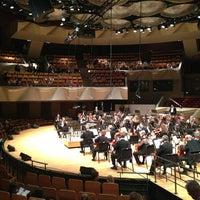 รูปภาพถ่ายที่ Boettcher Concert Hall โดย Kelley B. เมื่อ 5/25/2013