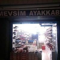 Photo taken at mevsim ayakkabi canta by Murat K. on 7/14/2014
