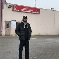 Photo taken at KOCAELİ 1 NO'LU T TİPİ KAPALI CEZA İNFAZ KURUMU by Furkan Y. on 2/13/2018