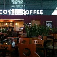 Photo taken at Costa Coffee (咖世家) by worldzhang on 10/15/2014