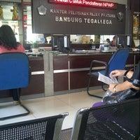 Photo taken at Kantor Pelayanan Pajak Pratama Bandung Tegallega by Mentari R. on 10/29/2013