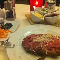 Das Foto wurde bei Wilson's Restaurant von Salah E. am 11/26/2012 aufgenommen