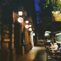 6/4/2015 tarihinde Ng Y.ziyaretçi tarafından Toto Restaurante & Wine Bar'de çekilen fotoğraf