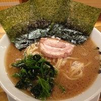 Photo taken at 横浜家系 麺屋 はやぶさ by ジェラ え. on 10/2/2012