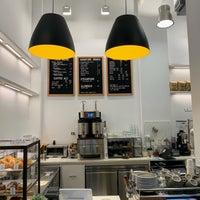 Das Foto wurde bei Coffee Project NY von Noah W. am 10/17/2018 aufgenommen