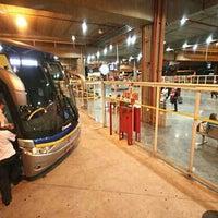 Foto tirada no(a) Terminal Multimodal Ramos de Azevedo por Bill R. em 11/20/2012