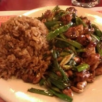 Photo taken at Yang's Chinese Restaurant by Laura G. on 10/1/2012
