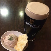 Photo taken at Irish Pub the Stáisiún 田町店 by Hiromi Y. on 10/7/2016