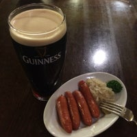 Photo taken at Irish Pub the Stáisiún 田町店 by Hiromi Y. on 9/2/2016