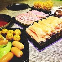 Снимок сделан в Shabu Garden (绿味园) пользователем JingWen C. 6/8/2013