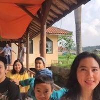 Photo taken at Restoran Lembah Ciremai by Dian 🌸 on 7/16/2016