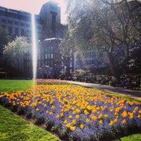 Photo prise au Whitehall Gardens par Valeria I. le5/4/2013