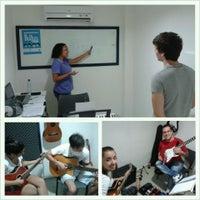 Photo taken at Duetos Escola de Música by Duetos E. on 4/21/2013