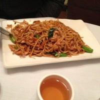 2/9/2013にCatherine M.がOllie's Sichuan Restaurantで撮った写真