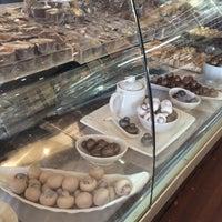 Photo taken at Juhaina Chocola by Abdulrazak AlNasser on 7/30/2015