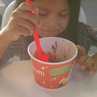 Photo taken at Tutti Frutti Frozen Yogurt by Mayra S. on 2/17/2014