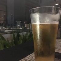 6/16/2018 tarihinde Noelia C.ziyaretçi tarafından Andaz Rooftop Lounge'de çekilen fotoğraf