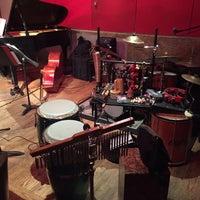 Das Foto wurde bei The Jazz Room at The Kitano von Willie M. am 10/19/2017 aufgenommen