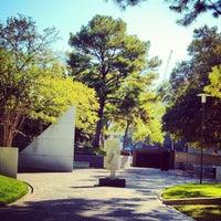 Foto scattata a Cullen Sculpture Garden da @jvincephoto il 11/17/2012