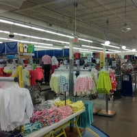 Photo taken at Old Navy by Javier d. on 3/30/2013