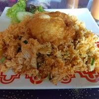 Photo taken at Zen Yai Thai Cuisine by Kannan M. on 1/19/2017