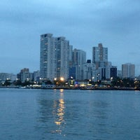Photo taken at Balsa Guarujá / Santos by Patricia Regina L. on 12/18/2012