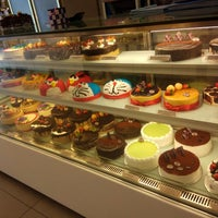 Photo taken at Berry's Cake House by Puchong P. on 6/12/2017
