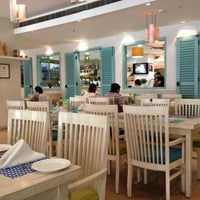 Photo taken at Fresc Co Restaurante by Vaibhav G. on 6/3/2012