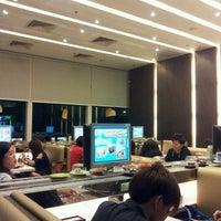 Photo taken at Sakae Sushi by Vincent H. on 3/28/2012