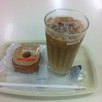 Photo taken at ドトールコーヒーショップ by よっしゃん on 8/26/2012