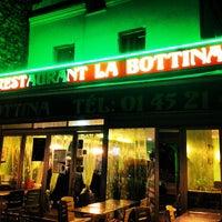Photo taken at La Bottina by Ryad Z. on 5/18/2012