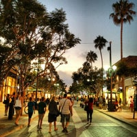 Photo prise au Third Street Promenade par Paul T. le8/21/2012